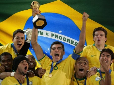 Brasil celebrating the Confederations Cup in 2009